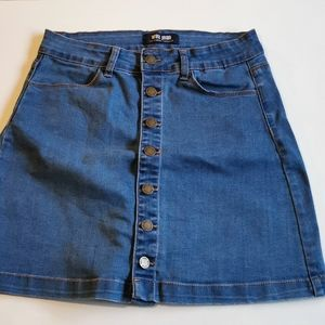 👗 2 for $30 💘 Wax Jeans Skirt, size Medium